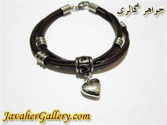 دستبند استیل چرمی قهوه ای رشته ای با آویز قلبی