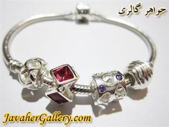 دستبند نقره پاندورا با سنگهای آمیتیست و یاقوت زیبا و لوکس