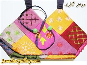 کیف ابریشمی دست دوز رنگارنگ با رنگ آمیزی و دوخت شیک و زیبا