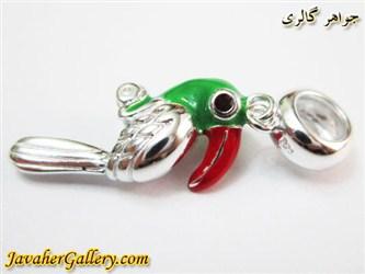 حلقه نقره دستبند و گردنبند پاندورا آویزی با طرح طوطی سبز و قرمز زیبا