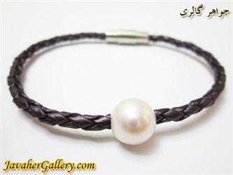 دستبند چرمی خالص و مرغوب بنفش پر رنگ با مروارید و قفل استیل