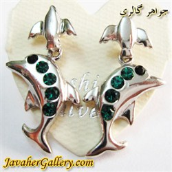 گوشواره میخی آویز دار نقره طرح دلفین و کبوتر با نگینهای سبز